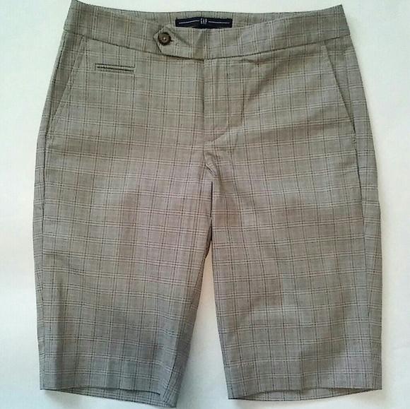 GAP Pants - GAP Bermuda shorts EUC💖 (size 0)